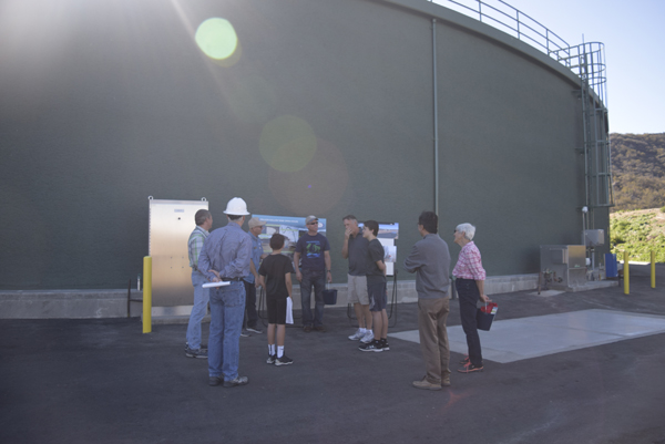 LVMWD's Doug Barrow explaining the tank